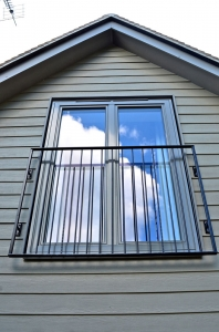 New_England_style_window